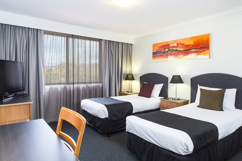 Deluxe Twin Alpha Hotel Canberra Tuggeranong Accommodation