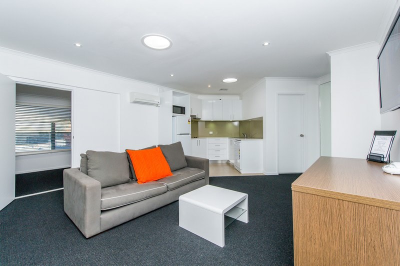 Alpha Hotel Canberra - One Bedroom Apartment - Living
