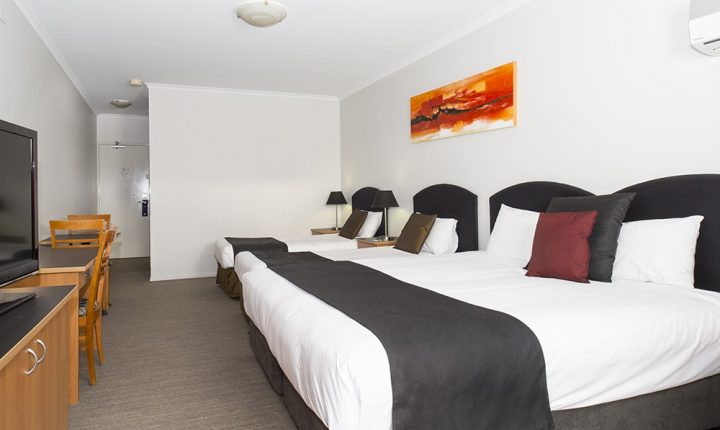 Alpha Hotel Canberra Deluxe Family Room