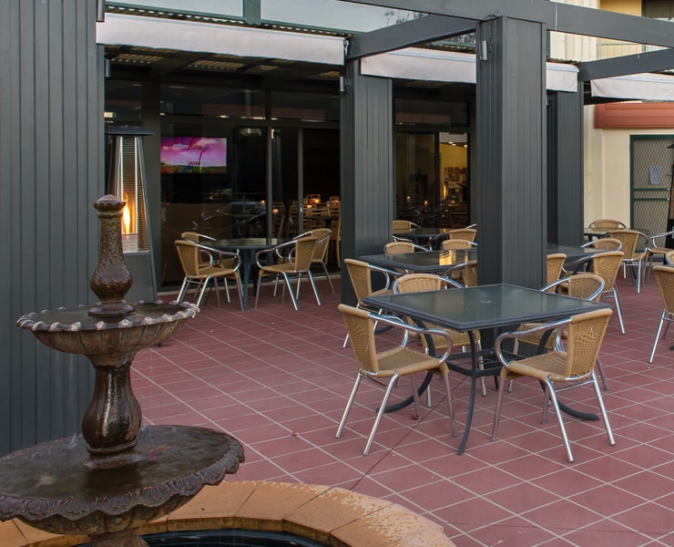 Alpha Hotel Canberra Functions - Outdoor Terrace